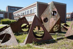 Jean Bertoux et l'Atelier de l'œuf | Sculpture en acier corten (1971), Université de Bordeaux
