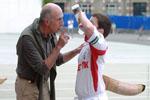 L'entraineur du club prodigue ses conseils lors des entrainements ainsi que lors des parties.