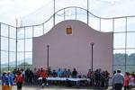 Arrivée de la troupe du village de Camou-Cihigue à la barricade au fronton de Cihigue, Pyrénées-Atlantiques | 5 mars 2013 (matin)