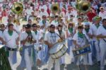 Banda | Défilé vers les arènes (2010)